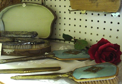 Silver Dresser Accessories Cool History Exhibits